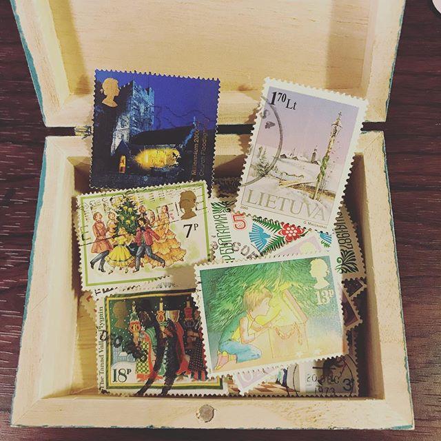 クリスマスの古切手を集めました#tsukanosha #束の舎 #切手 #古切手 #クリスマス #ブロカント #brocca #雑貨 #プレゼント - from Instagram