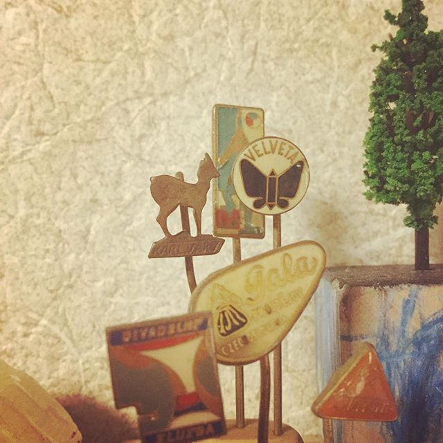 hat pins#束の舎 #tsukanosha #つかのしゃ #東京 #三鷹 #Mitaka #武蔵野 #雑貨 #ブロカント #古道具 #がらくた #レトロ #蚤の市 #マーケット #market #collect #仕入れ #素敵 #ハットピン #hatpin - from Instagram