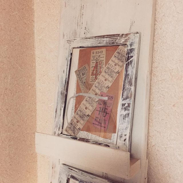 Can get collage material at Tsukanosha no Tana shop.#束の舎 #tsukanosha #つかのしゃ #nohsha #brocca #brocante #東京 #三鷹 #Mitaka #武蔵野 #雑貨 #ブロカント #古道具 #がらくた #レトロ #蚤の市 #マーケット #stamp #切手 #古切手 #紙もの #素敵 #古いもの #アジ紙 #味紙 #scrapbook #スクラップブッキング  #コラージュ #collage #oldpaper - from Instagram