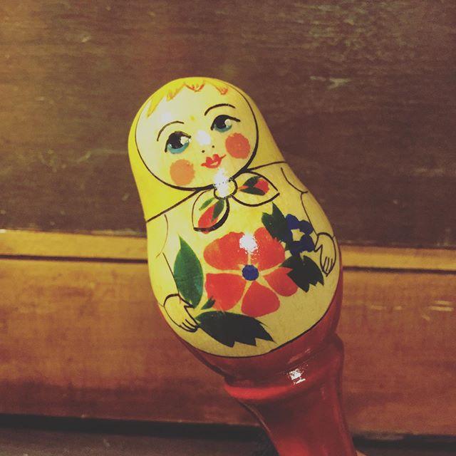 マトリョシカのガラガラ。振り回そう。#ガラガラ #おもちゃ #赤ちゃん用品 #束の舎 #tsukanosha #つかのしゃ #nohsha #brocca #brocante #東京 #三鷹 #Mitaka #武蔵野 #ブロカント #がらくた#蚤の市 - from Instagram