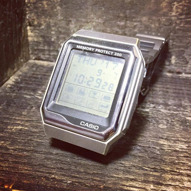 今や懐かしのデータバンク。#tsukanosha #束の舎 #databank #CASIO #腕時計 #レトロ - from Instagram