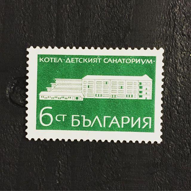 海外の古切手#束の舎 #tsukanosha #東京 #三鷹 #武蔵野 #雑貨 #stamp #切手 #古切手 #レトロ #紙もの - from Instagram