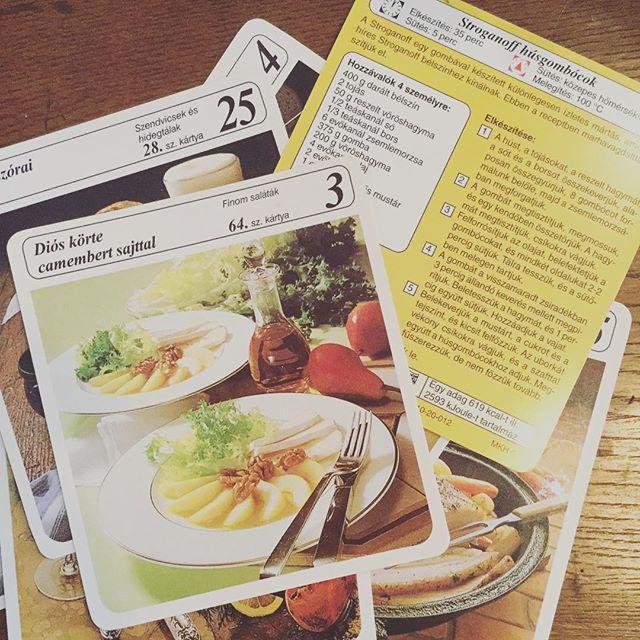 ハンガリーのレシピカード。プレゼントの賑やかしに。本のしおりに。#束の舎 #tsukanosha #つかのしゃ #東京 #三鷹 #Mitaka #武蔵野 #雑貨 #ブロカント #古道具 #がらくた #レトロ #蚤の市 #マーケット #market #collect  #紙もの  #素敵#ハンガリー #レシピ #料理 - from Instagram