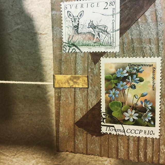 old stamps and brass#束の舎 #tsukanosha #つかのしゃ #nohsha #brocca #brocante #東京 #三鷹 #Mitaka #武蔵野 #雑貨 #ブロカント #古道具 #がらくた #レトロ #蚤の市 #stamp #切手 #古切手 #紙もの #素敵 #古いもの #アジ紙 #味紙 #真鍮  #oldpaper #vintage #ビンテージ - from Instagram