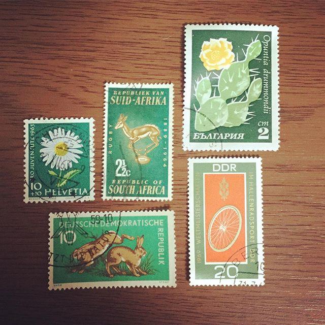 green stampsnot S&H#束の舎 #tsukanosha #つかのしゃ #nohsha #brocca #brocante #三鷹 #Mitaka #ブロカント #古道具 #がらくた #レトロ #蚤の市 #stamp #切手 #ephemera#古切手 #紙もの #古いもの #アジ紙 #味紙 #scrapbook #スクラップブッキング #コラージュ #collage #vintage #junkjournal #balletjournal - from Instagram