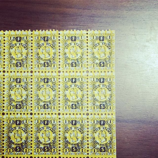 gold stamp#束の舎 #tsukanosha #つかのしゃ #nohsha #brocca #brocante #三鷹 #Mitaka #ブロカント #古道具 #がらくた #レトロ #蚤の市 #stamp #切手 #ephemera#古切手 #紙もの #古いもの #アジ紙 #味紙 #scrapbook #スクラップブッキング #コラージュ #collage #vintage #junkjournal #balletjournal - from Instagram