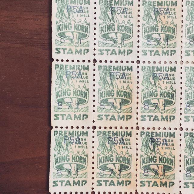 Premium king korn stamp.#束の舎 #tsukanosha #つかのしゃ #nohsha #brocca #brocante #三鷹 #Mitaka #ブロカント #古道具 #がらくた #レトロ #蚤の市 #stamp #切手 #ephemera#古切手 #紙もの #古いもの #アジ紙 #味紙 #scrapbook #スクラップブッキング #コラージュ #collage #vintage #junkjournal #balletjournal - from Instagram